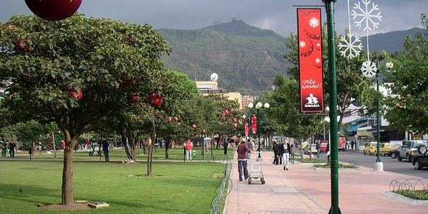 parque 93 - Bogota-colombian-women