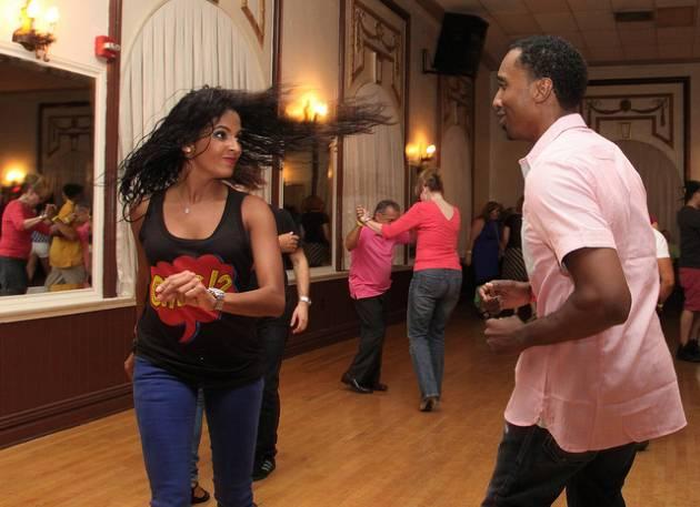 salsa_dancer3
