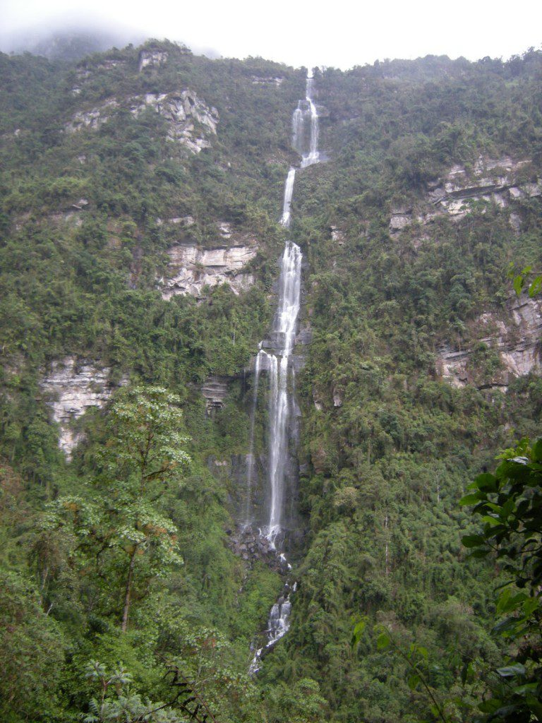 waterfall-colombia-tourist-attractions2