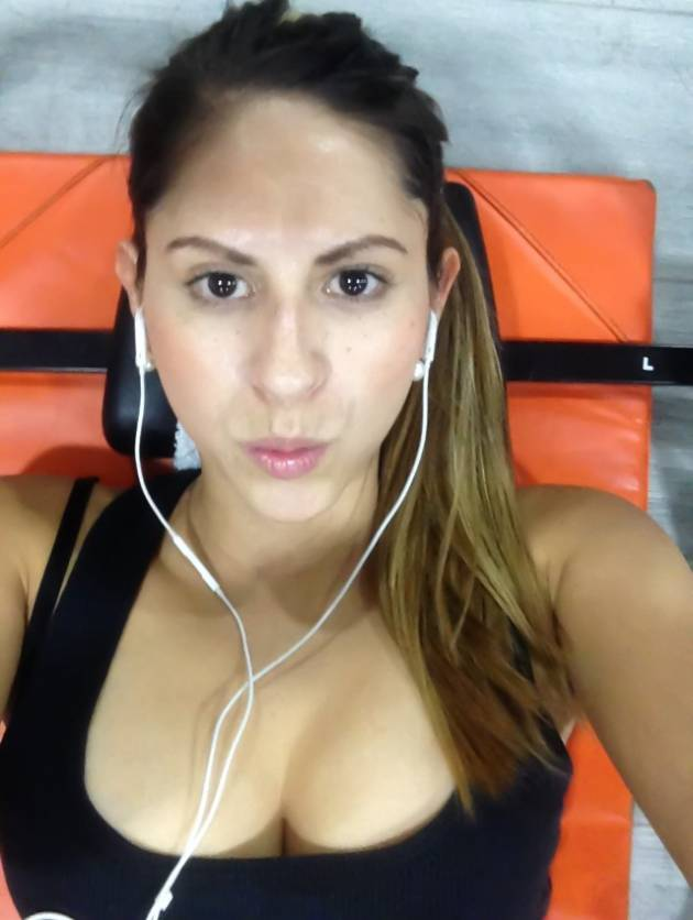 diana3-colombian-women-latin-women-matchmaking-latinas-colombia-travel